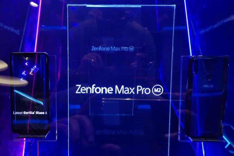 Display unit Zenfone Max Pro M2 dalam acara peluncurannya di Jakarta, Selasa (11/12/2018).