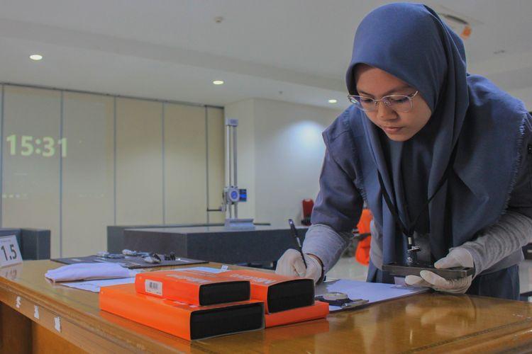 Sebanyak 20 SMK se-Jakarta mengikuti kompetisi metrologi dalam LKS (Lomba Kompetensi Siswa) SMK 2020, pada 26-27 Februari 2020 di Kantor Dinas Pendidikan Jakarta Selatan.