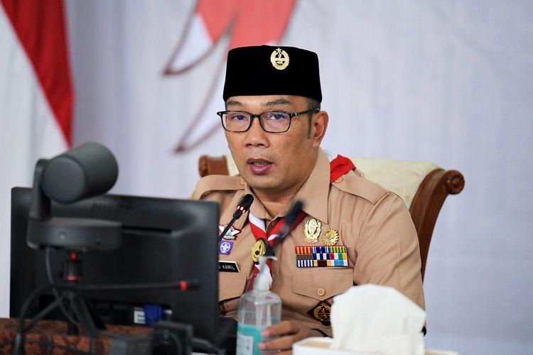 Gubernur Jawa Barat Ridwan Kamil saat membuka Webinar BPSDM Jabar bertajuk Pramuka Jawa Barat Juara, di Gedung Pakuan, Kota Bandung, pada Rabu (14/4/2021).