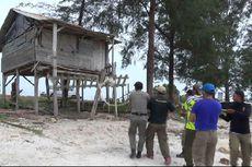 Bangunan Liar di Pantai Dihancurkan untuk Menyambut Menteri 3 Negara