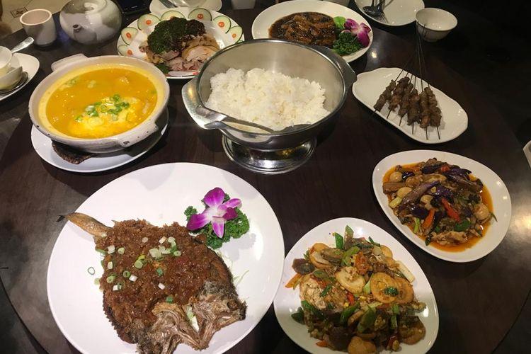 Hidangan menu di Hui Hui Muslim Restaurant, Taipei.