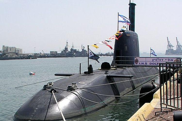 Kapal selam kelas Dolphin. Dibangun oleh Howaldtswerke-Deutsche Werft di Kiel, Jerman, untuk Angkatan Laut Israel.