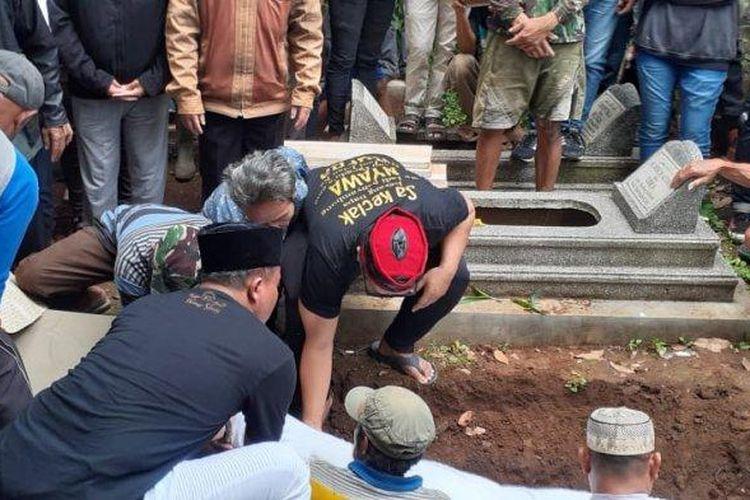 Suasana pemakaman Lina, mantan istri Sule, Sabtu (4/1/2020)