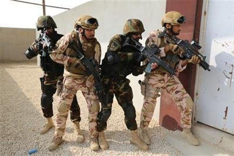 Tentara khusus Pakistan bersama pasukan militer Arab Saudi saat menjalan latihan gabungan anti-teroris di Riyadh.