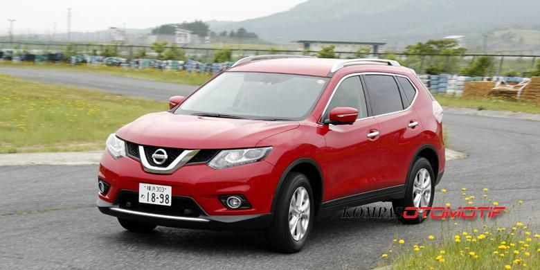 Nissan X-Trail baru dites di Sirkuit Autopolis, Jepang.
