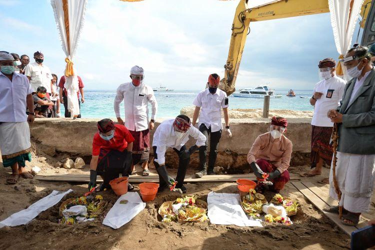 Peletakan batu pertama oleh Menteri Perhubungan Budi Karya Sumadi bersama Gubernur Provinsi Bali I Wayan Koster Senin (3/8/2020) pagi.