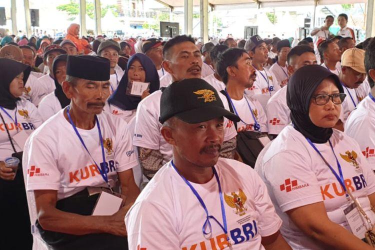 Sebanyak 5.000 masyarakat memadati Lapangan Pandesari untuk menyaksikan peluncuran KUR Khusus Peternakan Rakyat oleh Bank BRI.