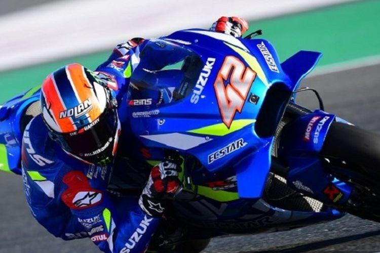 Pebalap Suzuki Ecstar, Alex Rins, menjalani latihan bebas di Sirkuit Losail pada MotoGP Qatar, 8 Maret 2019.