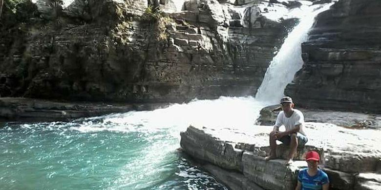 Air terjun Kolam Peka sering disebut Tiwu Peka sebagai salah satu daya tarik di Lembah Ranggu, Kecamatan Kuwus, Kabupaten Manggarai Barat, Nusa Tenggara Timur. Dasar Kolam Peka hidup belut raksasa yang berukuran satu meter.
