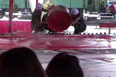Terbuat dari 450 Kilogram Tepung Beras, Bendera Bubur Sumsum Ini Pecahkan Rekor