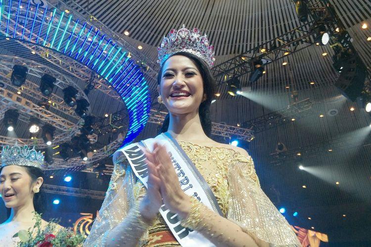 Rr. Ayu Maulida Putri dari Jawa Timur berhasil membawa pulang mahkota Puteri Indonesia 2020 dalam Malam Puncak Pemilihan Puteri Indonesia 2020 yang berlangsung di JCC, Jakarta, Jumat (6/3/2020).