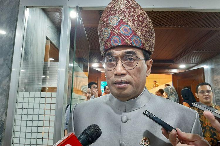 Menhub Budi Karya di DPR, Senayan, Jakarta, Selasa (28/1/2020).