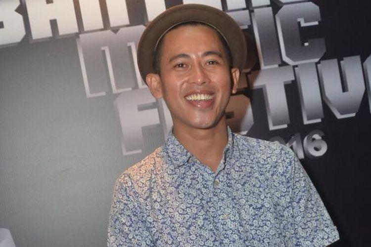 Penyanyi dan pencipta lagu Budi Doremi diabadikan dalam sebuah acara di kawasan SCBD, Jakarta Selatan, Senin (14/3/2016).