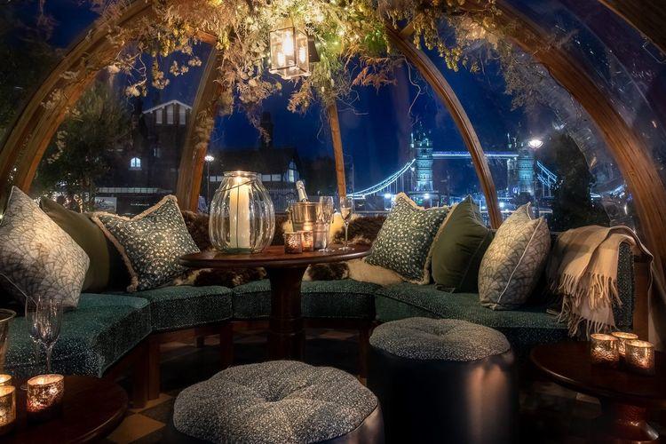 Suasana di dalam igloo Coppa Club, London, Inggris bisa jadi spot instagrammable.