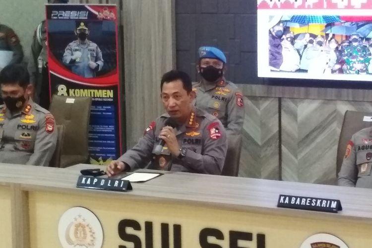 Kapolri Jenderal Listyo Sigit Prabowo saat konferensi pers di Mapolda Sulsel, Senin (29/3/2021).