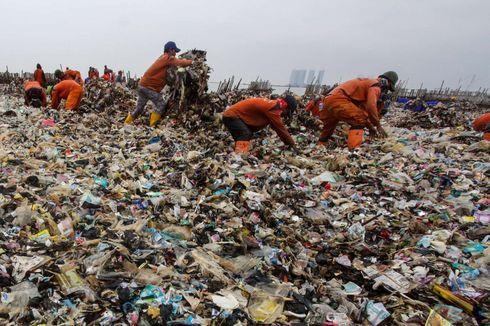 Dari Lautan Sampah ke Lautan Busa di Utara Jakarta...