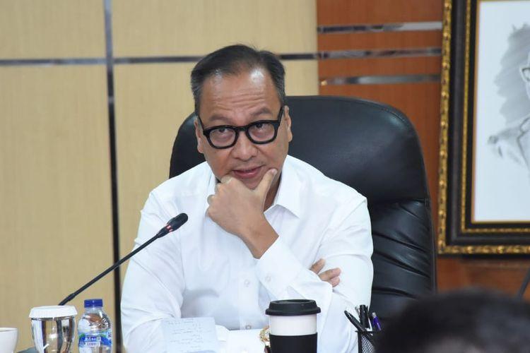 Kemenperin Agus memberikan keterangan rilisnya di Jakarta, Senin (4/11/2019).