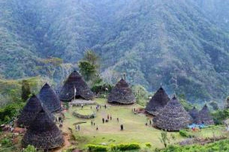 Kampung adat Wae Rebo, Desa Satarlenda, Kecamatan Satarmese Barat, Manggarai, Nusa Tenggara Timur.