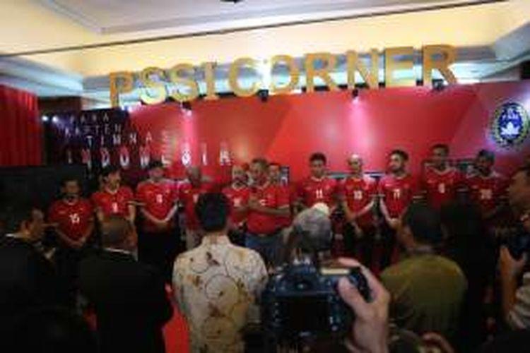Sejumlah mantan kapten tim nasiona Indonesia hadir di Kongres PSSI yang dilangsungkan di Hotel Aryaduta Bandung, Minggu (8/1/2017).