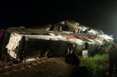 Usai Tabrak Truk di Ngawi, Lokomotif Kereta Sancaka Terguling
