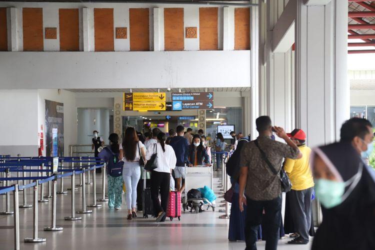 Bandar Udara Internasional I Gusti Ngurah Rai, Bali pada libur Paskah 2021 melayani penumpang sebanyak 62.345 orang, selama lima yakni 31 Maret - 4 April 2021.