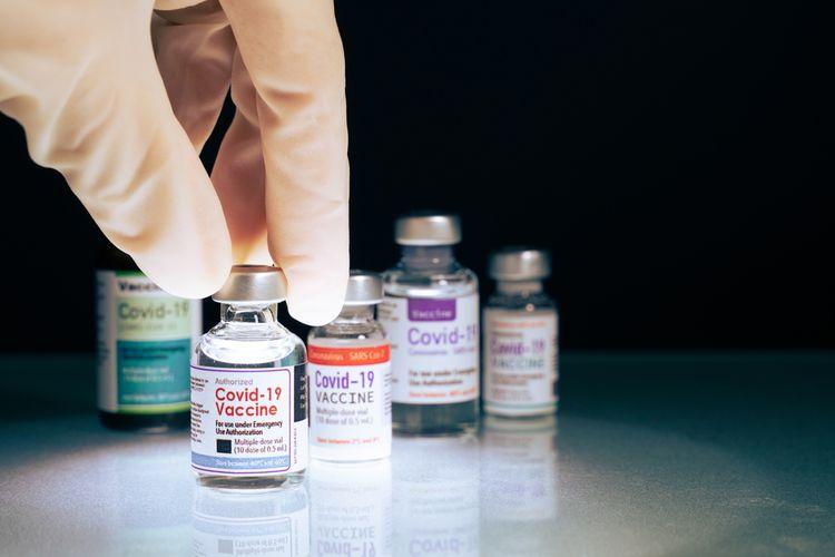 Ilustrasi vaksin Covid-19. Thailand akan campur vaksin Sinovac dan AstraZeneca untuk memberi perlindungan lebih baik dari varian Delta yang sangat menular dan telah memicu lonjakan kasus Covid-19.