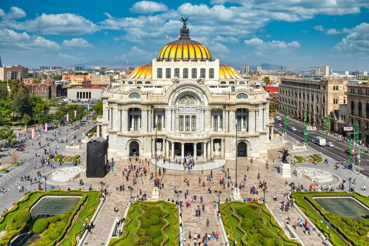 Palacio de Bellas Artes di Mexico City.