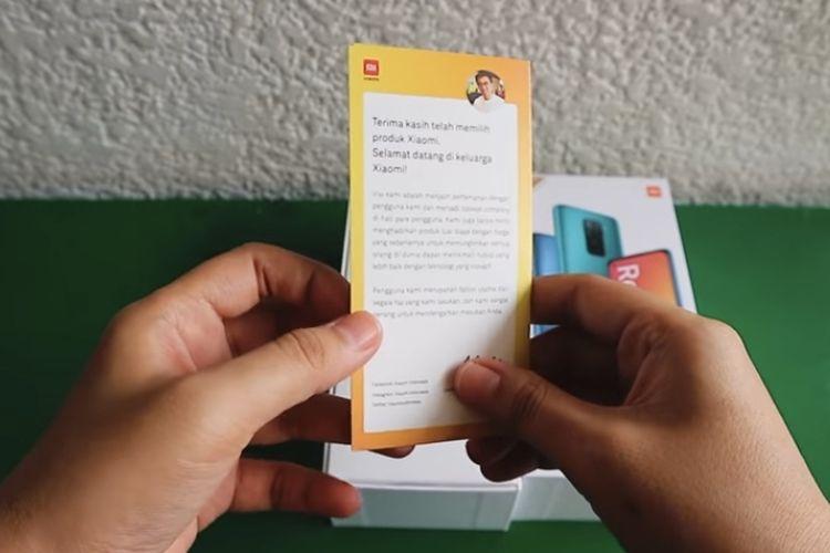 Kartu ucapan dari Country Director Xiaomi Indonesia, Alvin Tse di kotak pembelian Redmi Note 9 dan 9 Pro.