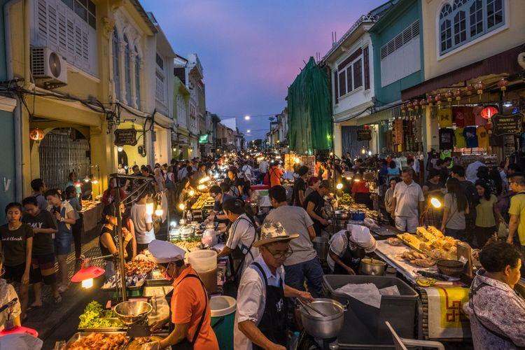 Pasar malam Phuket Walking Street.