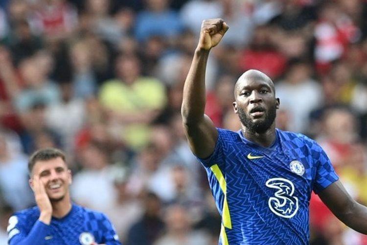 Romelu Lukaku berselebrasi usai mencetak gol untuk Chelsea ke gawang Arsenal pada pekan kedua Liga Inggris 2021-2022.