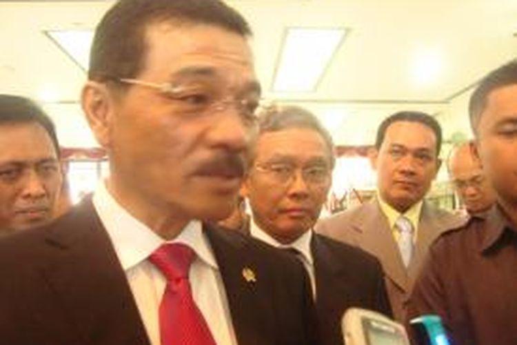 Menteri Dalam Negeri Gamawan Fauzi usai wisuda praja Institut Pemerintahan Dalam Negeri, Selasa (27/8/2013)