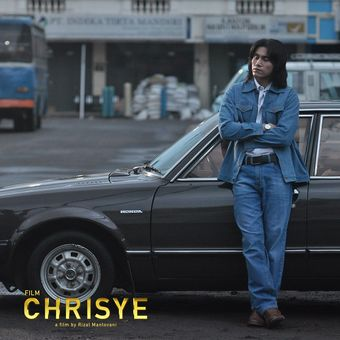 Aktor Vino G Bastian dalam film Chrisye
