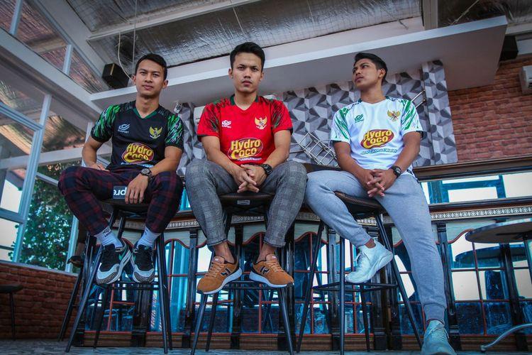 DJ Sport, menjadi menjadi pemasok kebutuhan jersey timnas futsal Indonesia selama uji tanding di Thailand.