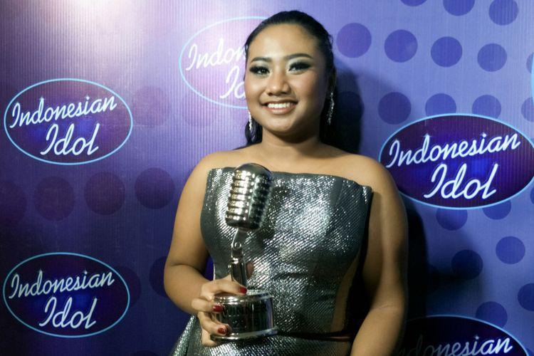 Juara Indonesian Idol 2018, Maria Simorangkir, hadir dalam jumpa pers di Ecovention, Taman Impian Jaya Ancol, Jakarta Utara, Selasa (24/4/2018).
