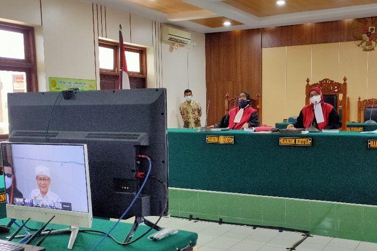 Majelis Hakim Pengadilan Negeri Tegal menggelar sidang perdana kasus dugaan pencemaran nama baik dengan terdakwa Ketum Ormas GNPK RI Basri Budi Utomo secara virtual, Kamis (27/5/2021).