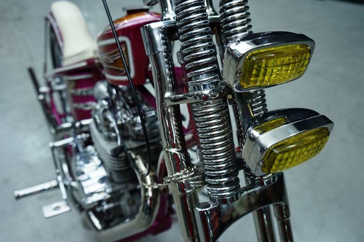 Suzuki Thunder 250 bergaya chopper long fork garapan Boneng Custombre.