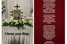 Isak Tangis Boy William di Prosesi Pemakaman Adiknya, Raymond Hartanto