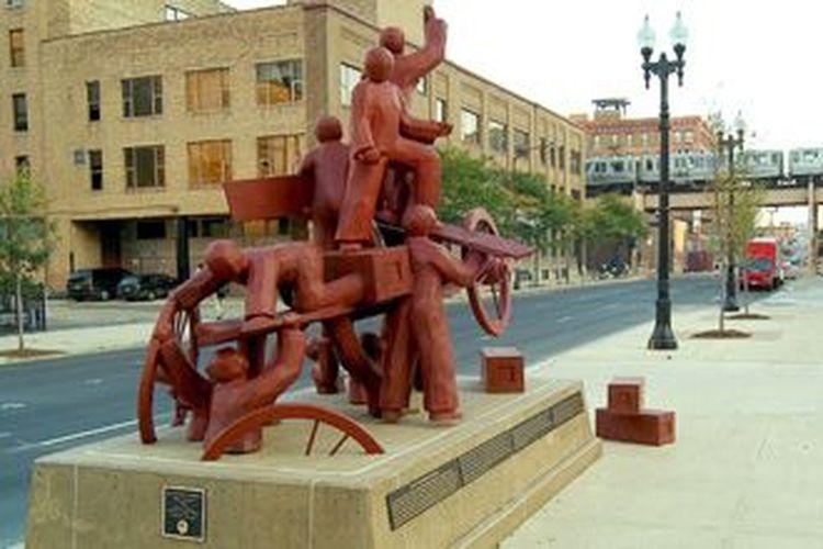 Monumen peringatan Haymarket di Chicago, Amerika Serikat.
