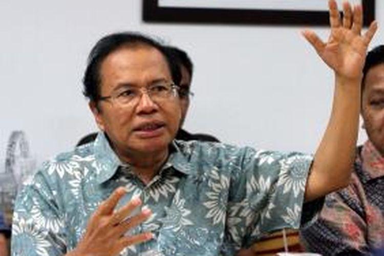 Menteri Koordinator Bidang Maritim Rizal Ramli menyampaikan pandangannya dalam bidang ekonomi saat berkunjung ke kantor Tribun di Jakarta, Kamis (7/1/2016).