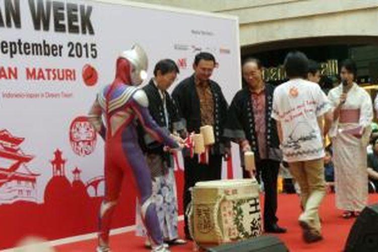 Gubernur DKI Jakarta Basuki Tjahaja Purnama membuka pagelaran Jak Japan Matsuri 2015 di Plasa Senayan, Jakarta, Minggu (6/9/2015).