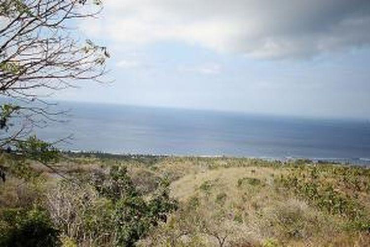 Panorama dari Bukit Nusa Penida, Bali.