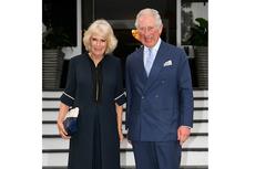 Anggunnya Camilla Pakai Jumpsuit