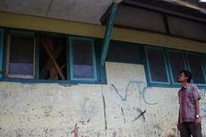 Sekolah Rusak di Kawasan Industri Batik Cirebon