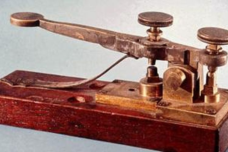Sebuah mesin telegraf morse