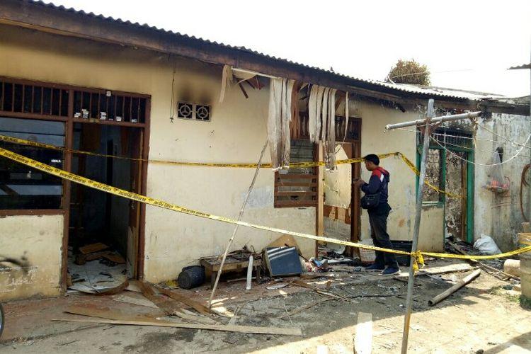Seorang anak berinisial Z (10) meninggal dunia setelah terjebak di dalam satu rumah kontrakan di Gang Sayur Asem, RT 014 RW 004, Kelurahan Setu, Kecamatan Setu, Tangerang Selatan, Minggu (17/11/2019) sore. Z yang berkebutuhan khusus itu terjebak dalam rumah karena di pasung oleh bapaknya, Suhin.