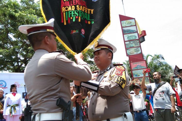 Penyerahan Pataka Milenial Road Safety Festival di Grand Taruma Karawang, Sabtu (9/3/2109).