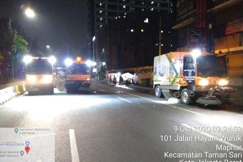 Sudis LH Angkut 800 Kilogram Sampah Sisa Demo Tolak UU Cipta Kerja di Hayam Wuruk