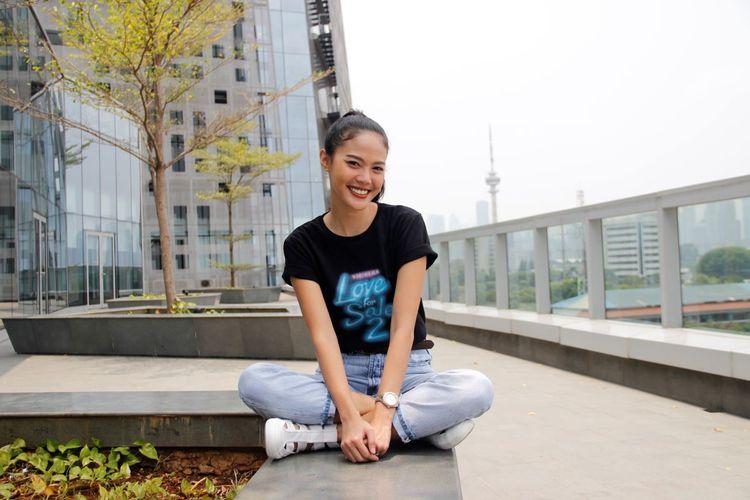 Della Dartyan dalam media visit Love For Sale 2 di Menara Kompas, Palmerah Selatan, Jakarta Pusat, Senin (23/9/2019).