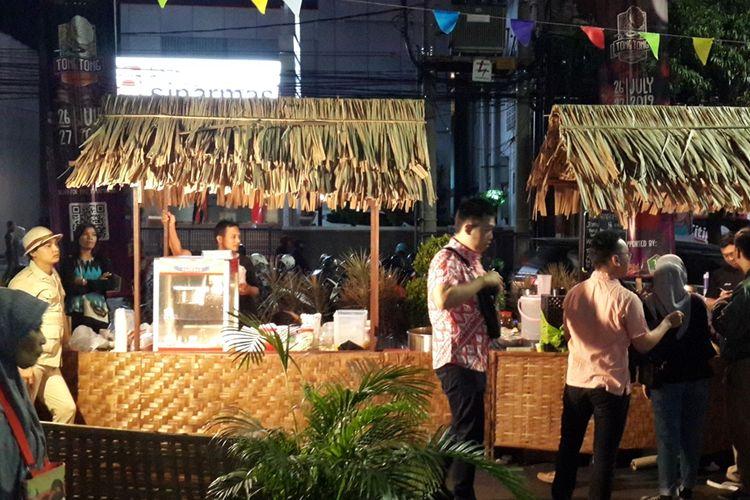 Suasana kawasan Kayutangan, Kota Malang, Jumat (30/8/2019) malam. Di kawasan itu sedang berlangsung event Oeklam-Oeklam Heritage nang Kajoetangan untuk mengangkat kawasan itu sebagai ibu kota heritage.