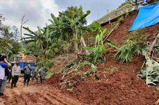Tebing Setinggi 15 Meter Longsor di Sumedang, 38 Rumah di Atas Bukit Terancam